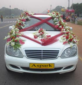 http://www.travelguideindia.org/special-tours-india/images/wedding-car-hire.jpg
